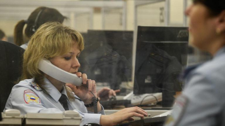 Полиция начала проверку информации об ограблении салона связи в Истре
