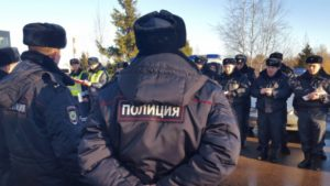 Двое мужчин ограбили мигранта в Звенигороде