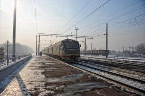 Подросток погиб под колесами электрички в Подмосковье